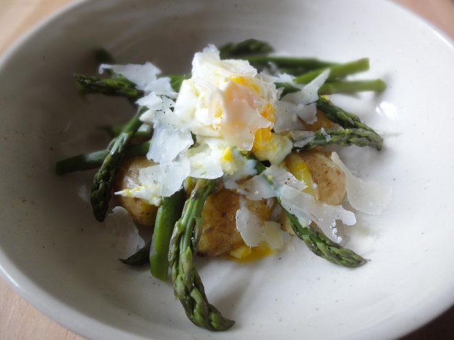 Jersey Royal, asparagus and poached egg salad